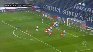 FC Porto - Corner - Far