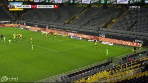 Borussia Dortmund - Corner - Near