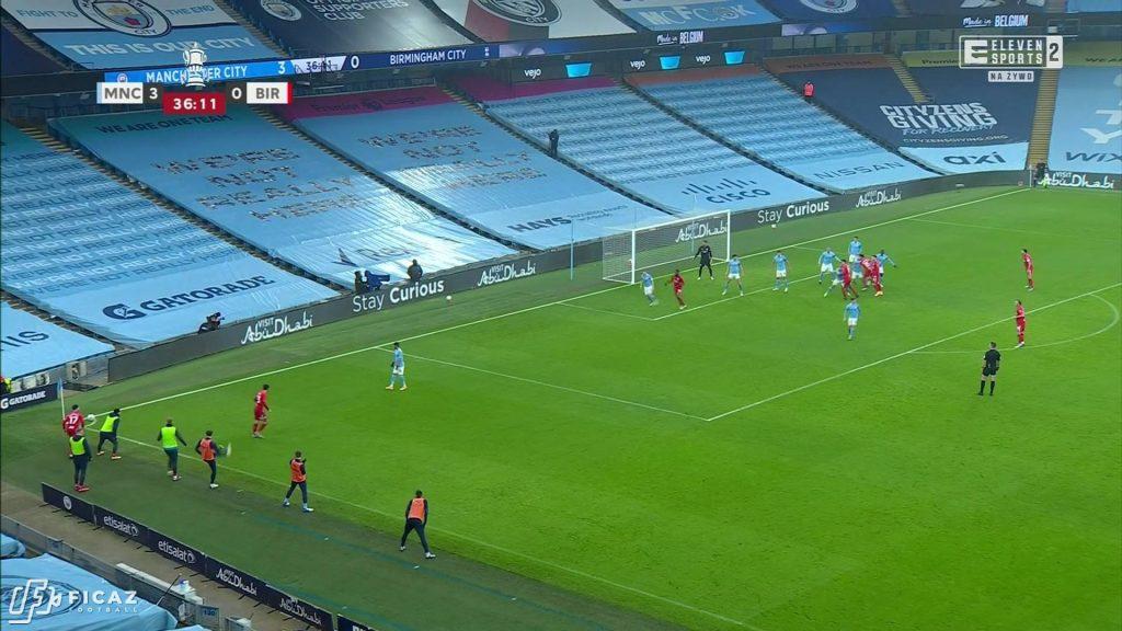 Manchester City F.C. - Corner - Near